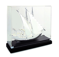 BG1355/LS Traditional Boat With Acrylic Cover (full Silver)